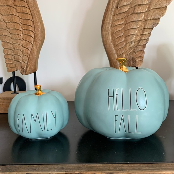 New colour!! HELLO FALL medium size pumpkin